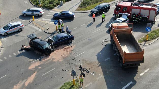 """Wypadek na Jagiellońskiej. """"Jedna osoba trafiła do szpitala"""""""