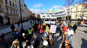 """""""Plac jest nasz"""". Protest przeciwko budowie pomnika smoleńskiego"""