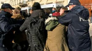 Protest przeciw zmianom ustawy antyaborcyjnej. Przepychanki z policją