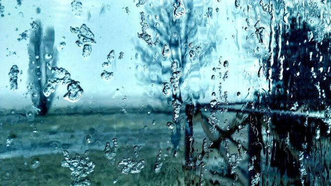 Prognoza pogody na dziś: lokalnie deszczowi będzie towarzyszył śnieg